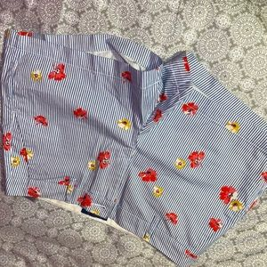 Adorable pin striped pixie short!